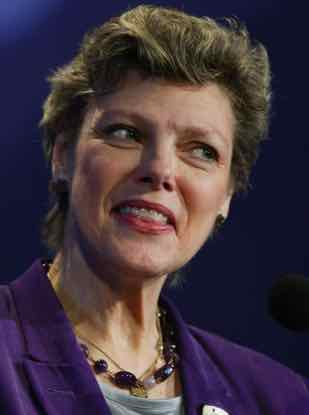 Cokie Roberts said thousands of reporters have looked into Vince Foster death
